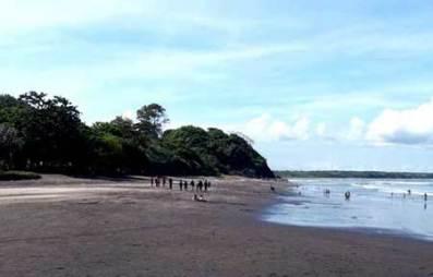 Pantai boom Jatim