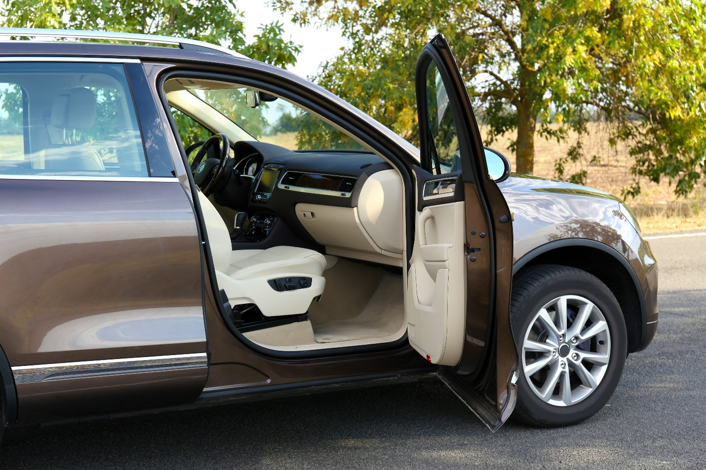 Pros And Cons Of 6 Car Upholstery Fabrics Vip Autos