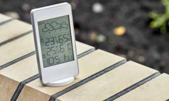 How to Set Up an Outdoor Thermometer