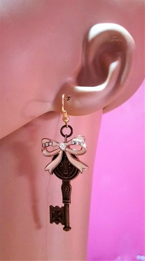 Steampunk Lolita key and bow earrings