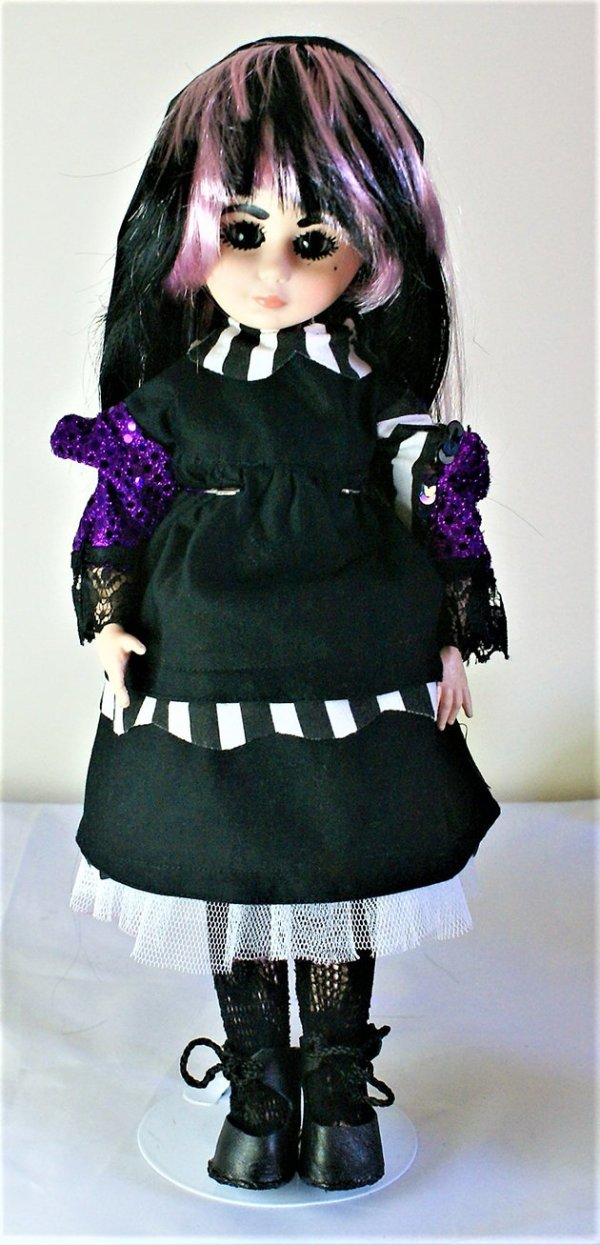 Gothic Lolita black and stripe collar dress