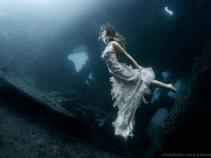 vonwong-underwater-girl