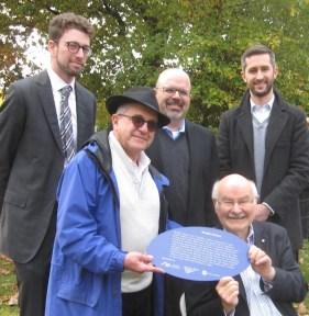 Left to right: Michael Schwartz of the Jewish Museum and Archives of British Columbia, Rabbi Philip Bregman, Rabbi Dan Moskovitz, Mike Harcourt and Chris Gorczynski. (photo by Cynthia Ramsay)