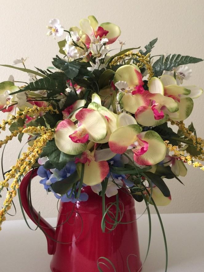 GiftsDecorAndMore.com Flower Arrangement