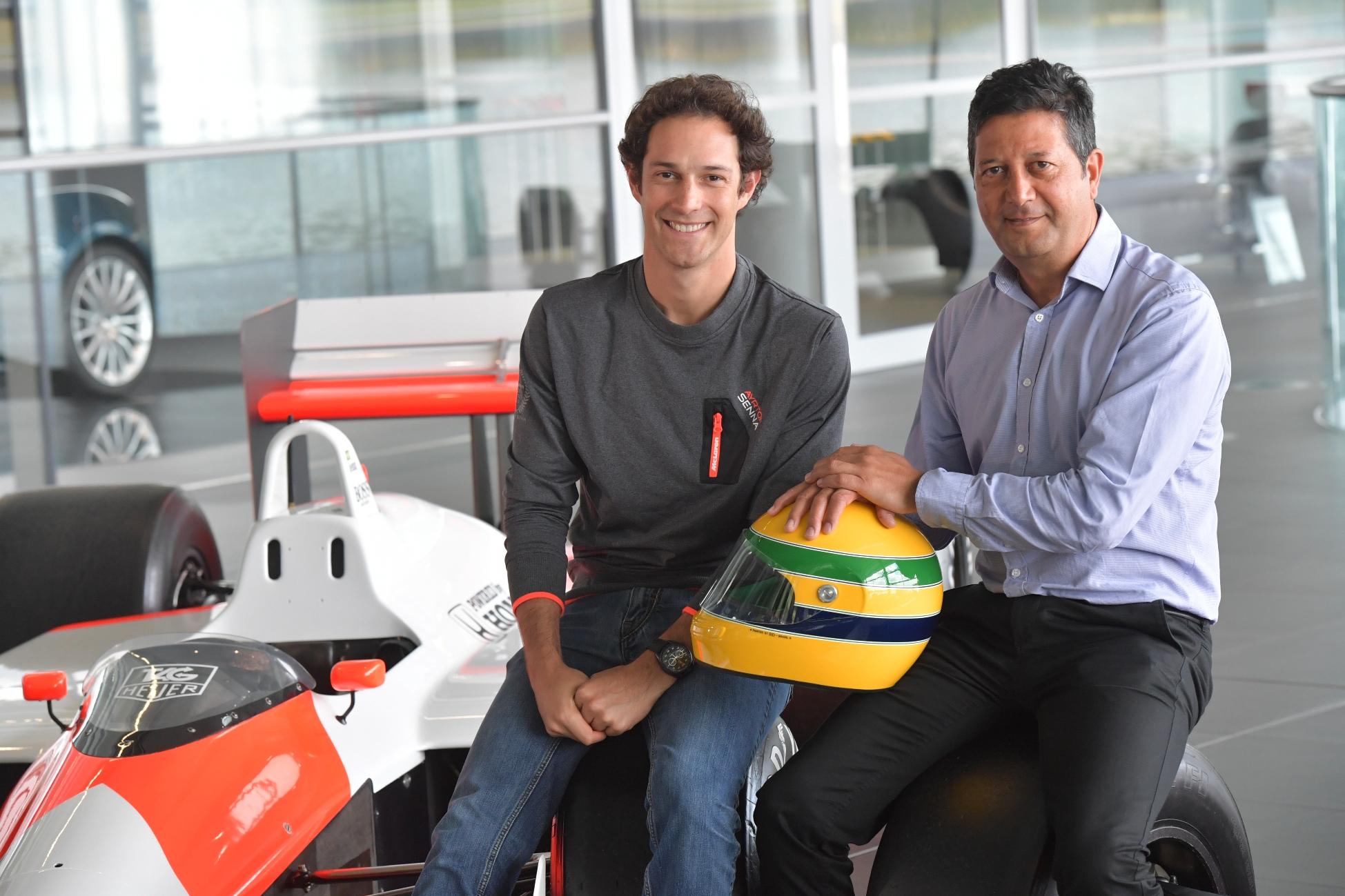 46fc901023 Ayrton Senna Shop lança nova coleção de produtos na sede da McLaren com a  presença de Bruno Senna