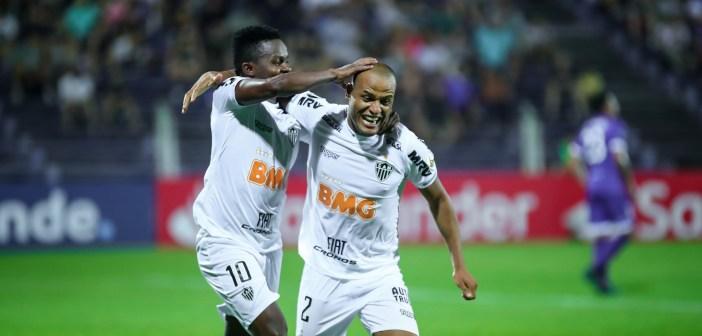 Sem perder há nove jogos, Patric iguala sua maior série invicta no Atlético Mineiro e comemora assistência para primeiro gol de cabeça de Cazares