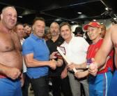 "Sob olhar de Arnold Schwarzenegger, Ricardo Nort conquista o tricampeonato do Arnold Sports Festival no Mas-wrestling: ""Dia especial"""