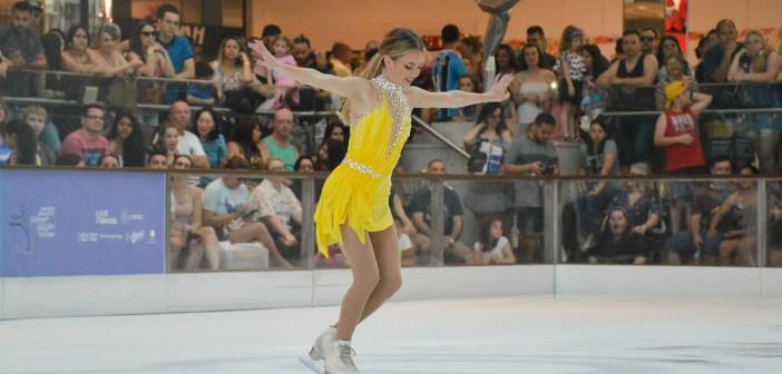 Isadora Williams é campeã da categoria senior do Brasileiro de Patinação Artística no Gelo