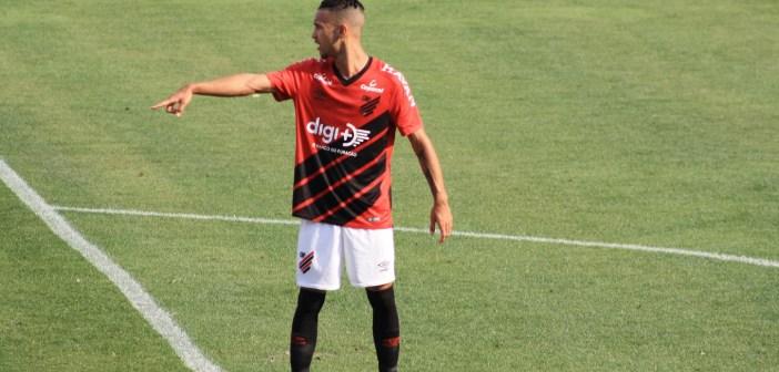 Joia faz hat-trick, e Athletico Paranaense se despede com goleada no Brasileiro Sub20
