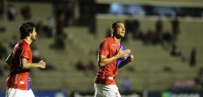 Artilheiro do Paraná em 2019, Jenison faz balanço positivo da temporada