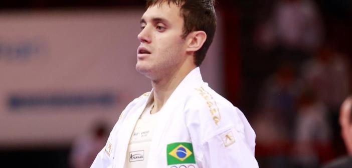 """Carateca Douglas Brose sobre adiamento das Olimpíadas: """"Tiveram bom senso"""""""