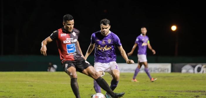 Ex-Grêmio, Felipe Nunes comemora título na Tailândia e fala sobre a segunda paralisação do futebol no país por conta da pandemia