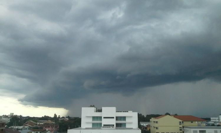 Chuva se aproximando de Teutônia por volta das 15h