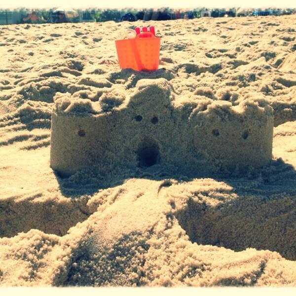 Tempo Junto é fazer Castelo de Areia na praia