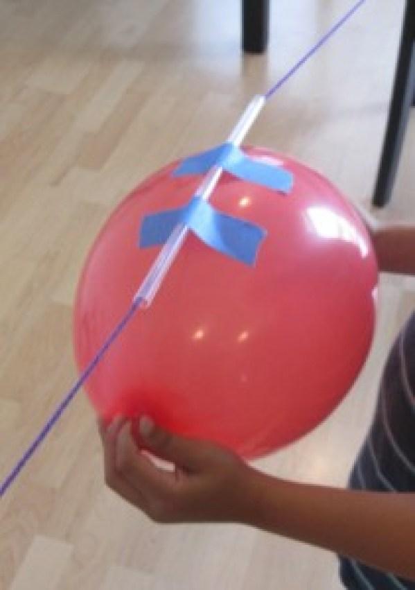 balão com canudo