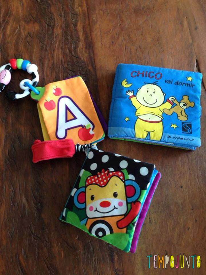Leitura brincante para bebês - livro de pano