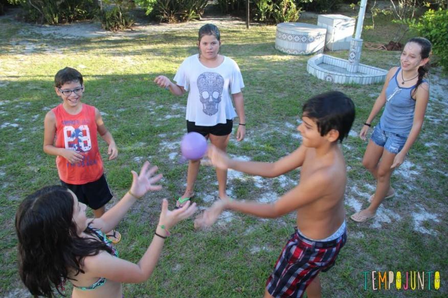 Guerra de balão de água - batata quente