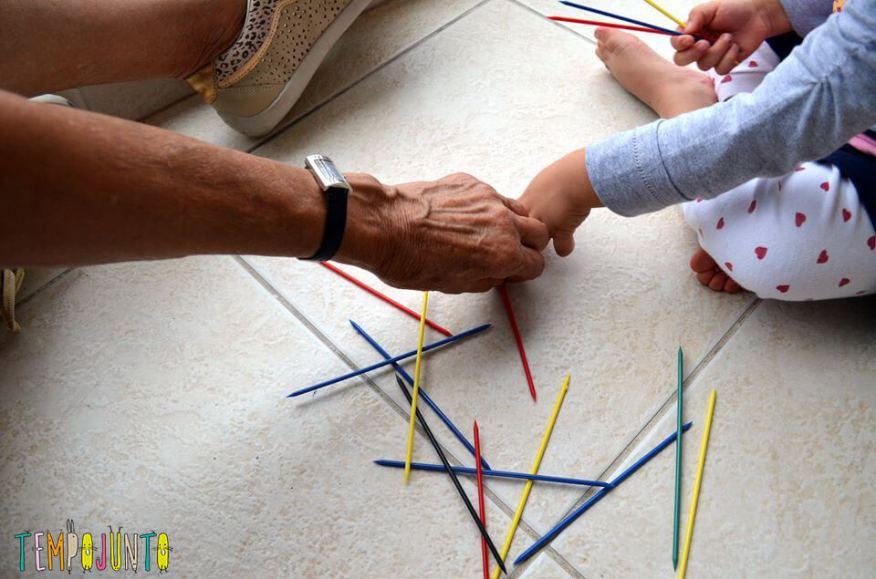 brincadeiras para menores de 5 anos pega vareta