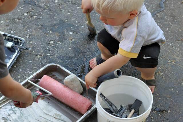 Pintura na calcada do Hands on as we grow