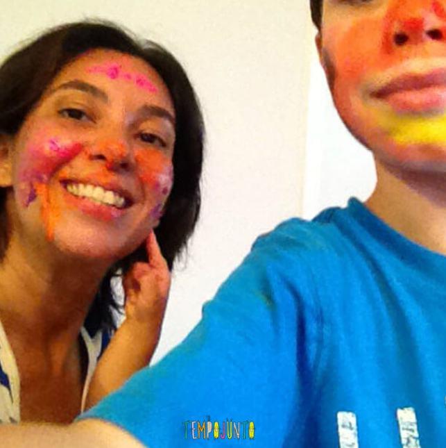 Curtir um pouco mais o Carnaval_ pat e henrique com o rosto pintado