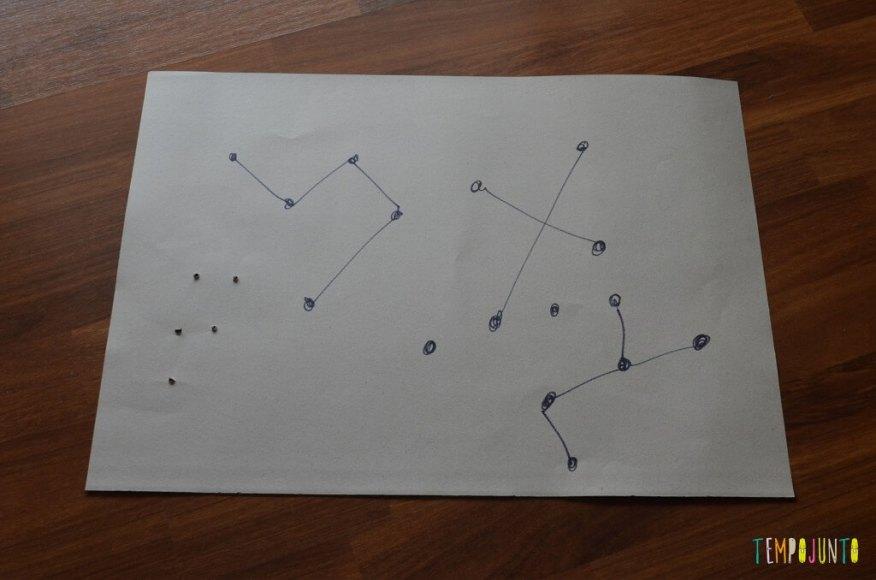 Brincando de ver estrelas no céu - constelação no papel