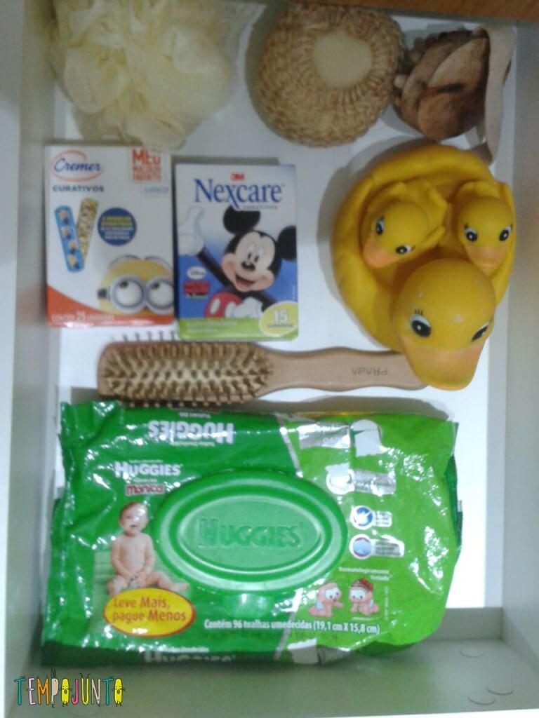 Brincadeiras para o seu filho enquanto você toma banho - gaveta