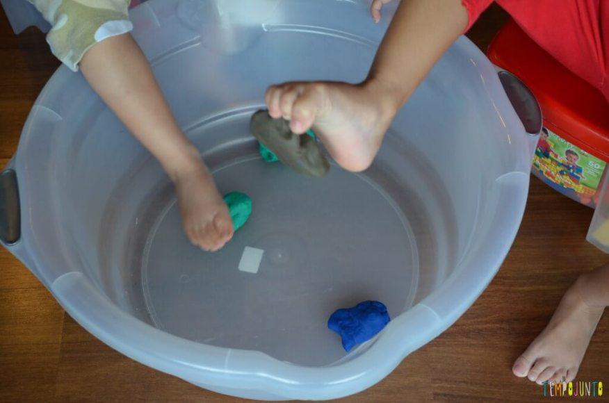 crianças estão doentinhas - pescaria com os pés