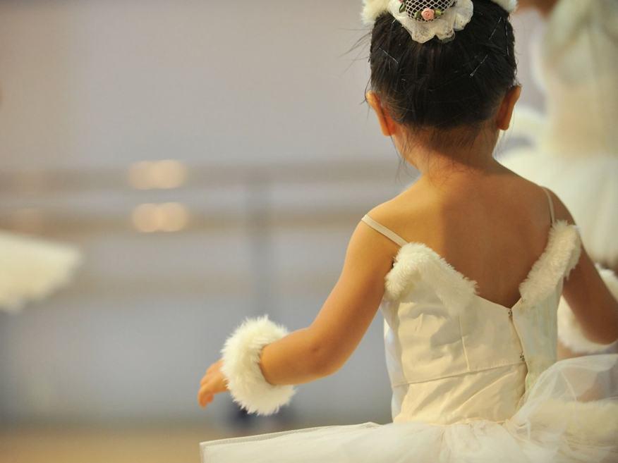 11 Brincadeiras para estimular o sexto e sétimo sentidos das crianças - bailarina