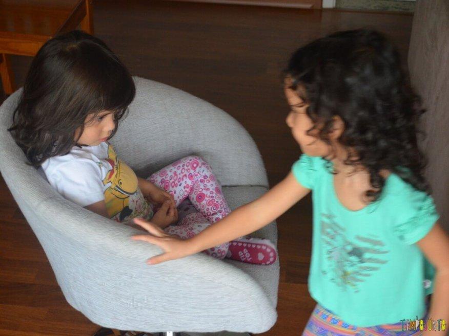 11 Brincadeiras para estimular o sexto e sétimo sentidos das crianças - cadeira