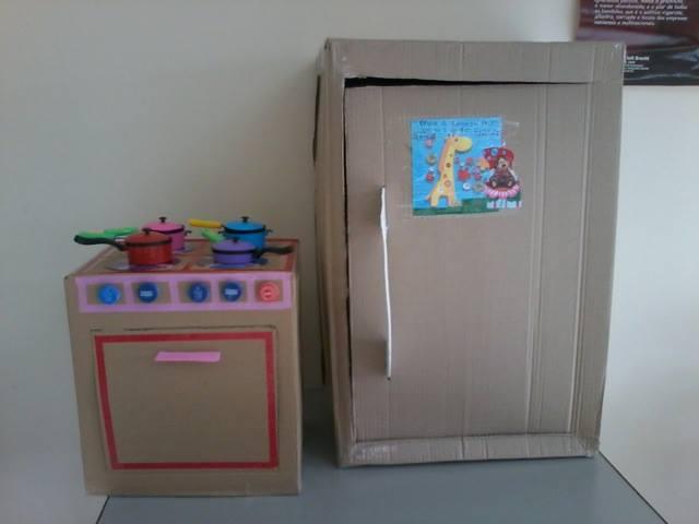 brincadeiras para crianças entre 3 e 7 anos foguete caixa de papelão