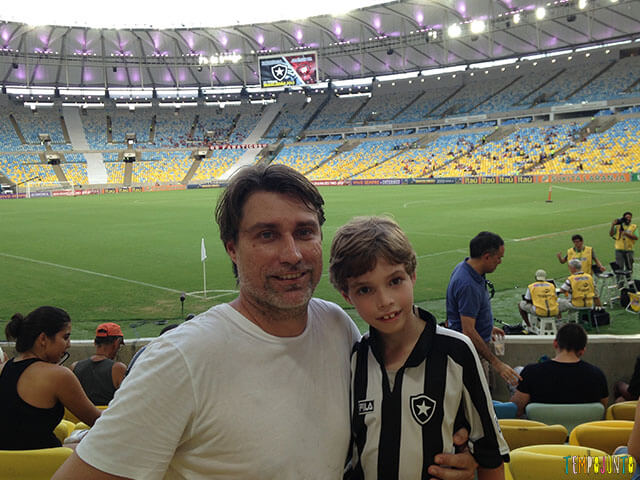 um pai tempojunto - alexandre e dudu no estadio