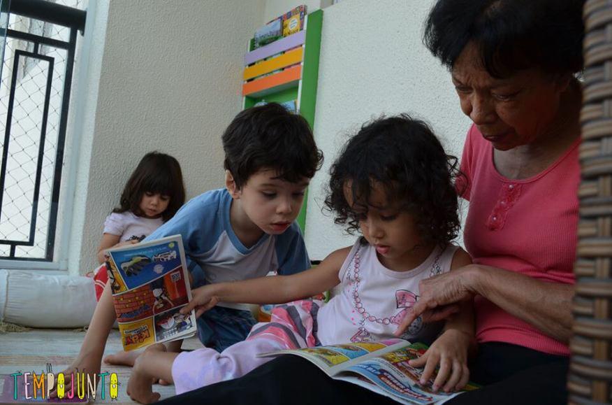Brincar de leitura estimula o gosto pelos livros - lendo com a vovó