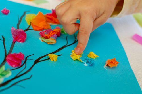 15 ideias criativas para fazer arte com flores - flores com papel de seda