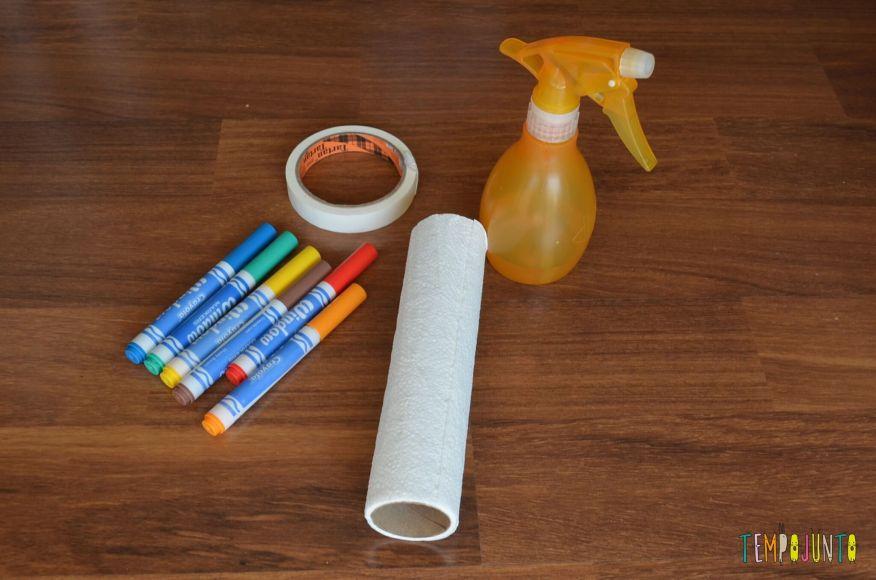 8 brincadeiras de artes ao ar livre - material para pintura com hidrocor e borrifador de agua