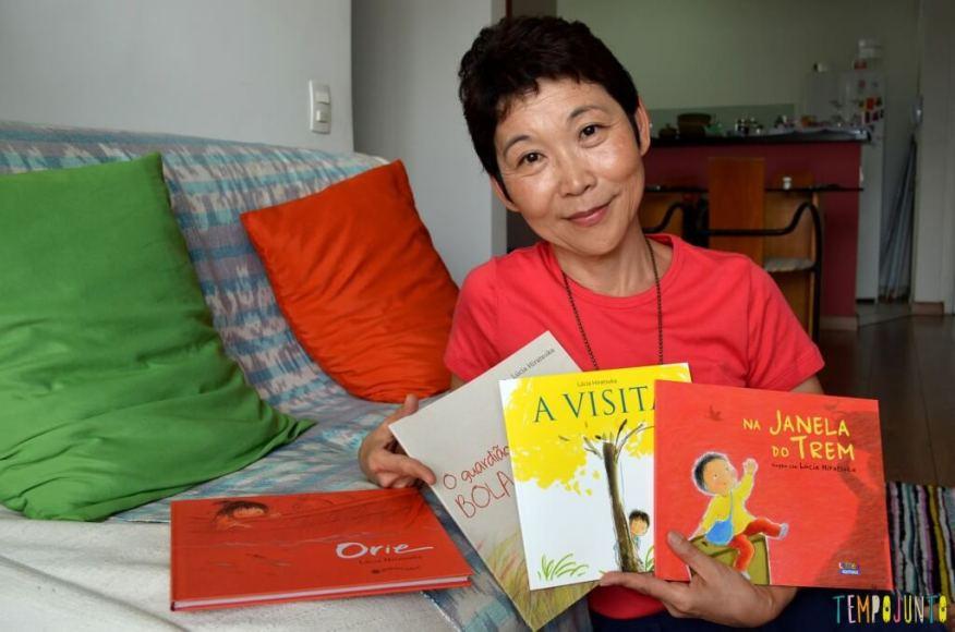 Livro Brincante- Lucia Hiratsuka - Memorias do oriente embaladas em contos infantis - lucia com os livros
