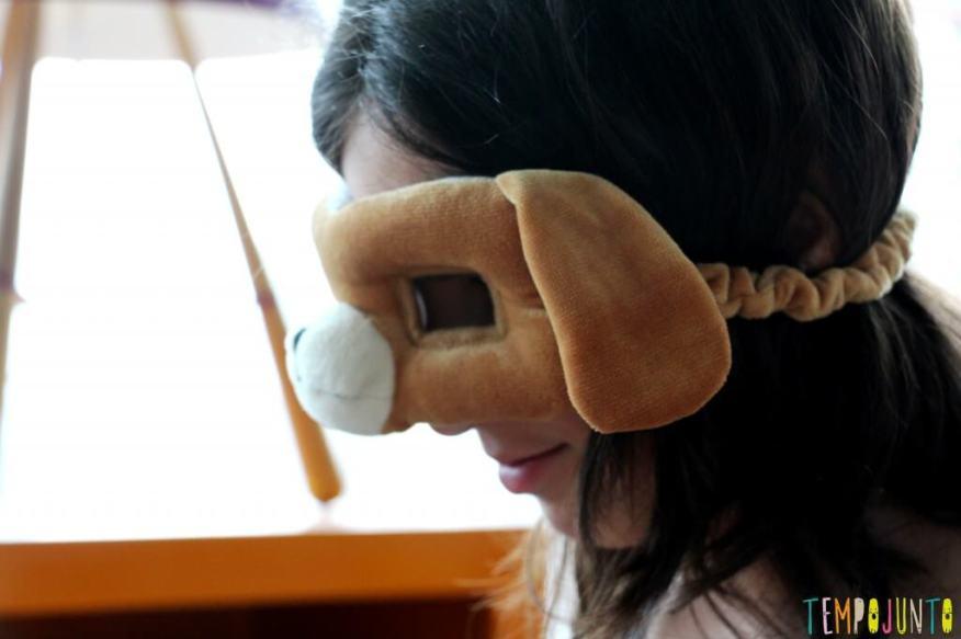 Cestos dos tesouros divertidos - carol com mascara