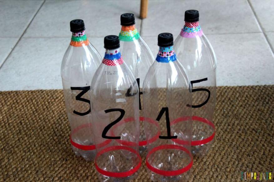 Como fazer boliche de garrafa pet - garrafas prontas
