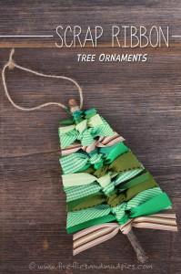 20 ideias para fazer enfeites de natal com as crianças - arvore de graveto e fitas
