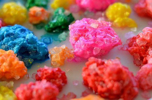 Faça com seus filhos um vulcão caseiro com lava de verdade - joia de sal