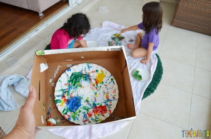 Lembrança de Natal para fazer com as crianças - pintura com bolinha