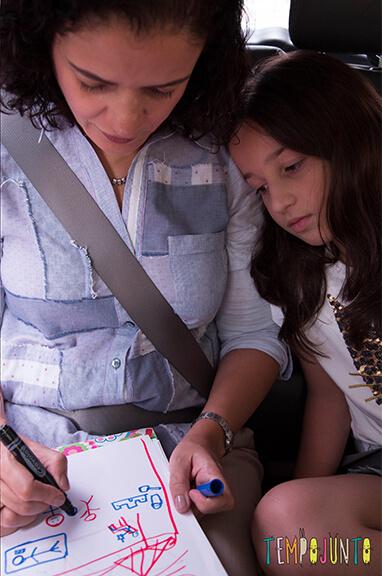 Por que você não consegue brincar com seus filhos? 5 dicas para resolver isso ja - pat e carol no carro
