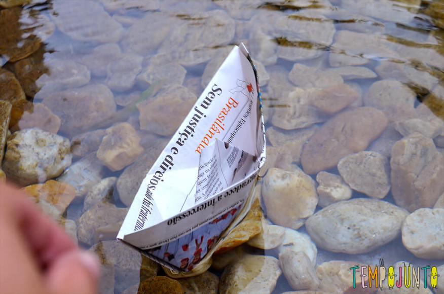 Um barquinho e uma viagem incrível pela imaginação - barquinho pronto