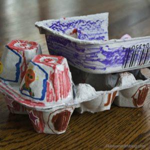 10 ideias de brinquedos caseiros com caixa de ovo - caminhão