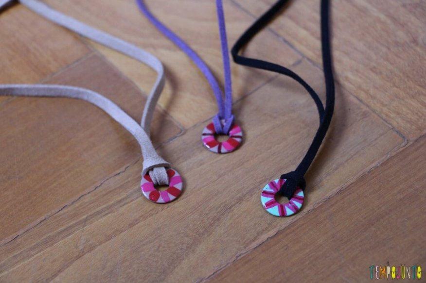 Como fazer um colar bonito e barato com as crianças - pendentes prontos