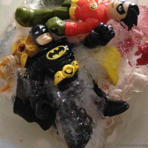 10 maneiras de brincar de super-herói - armadilha de gelo
