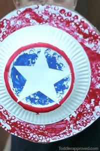 10 maneiras de brincar de super-herói - escudo capitao america