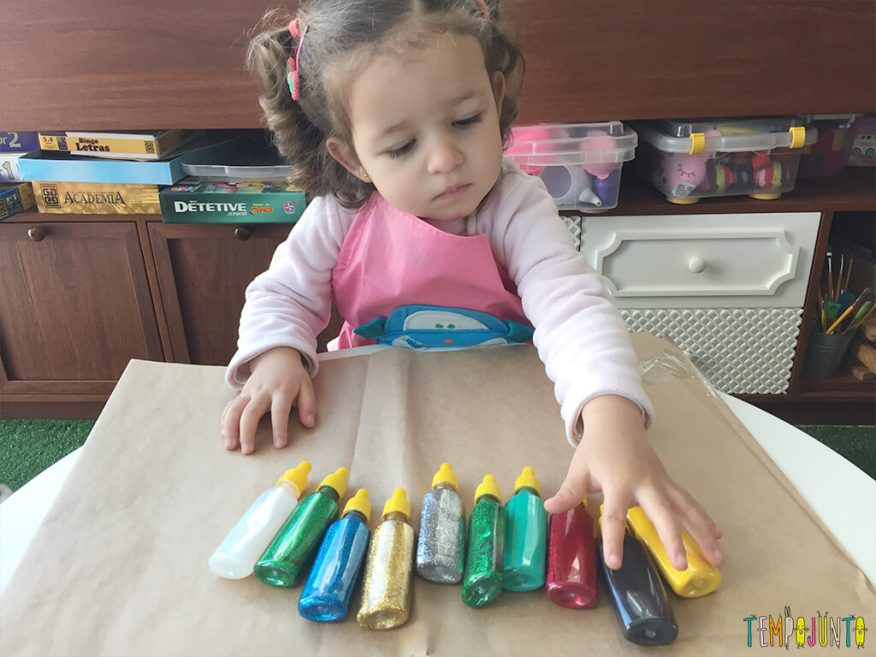 Arte com cola colorida - materiais