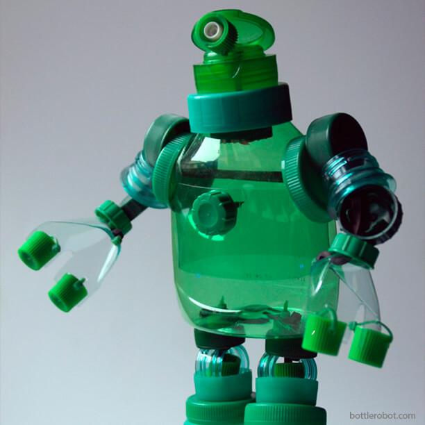10 ideias de brinquedos feitos com garrafas plásticas - robo
