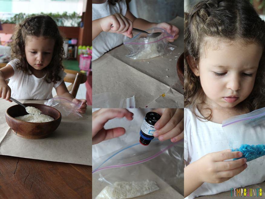 Arte com arroz colorido - gabi colocando corante no arroz