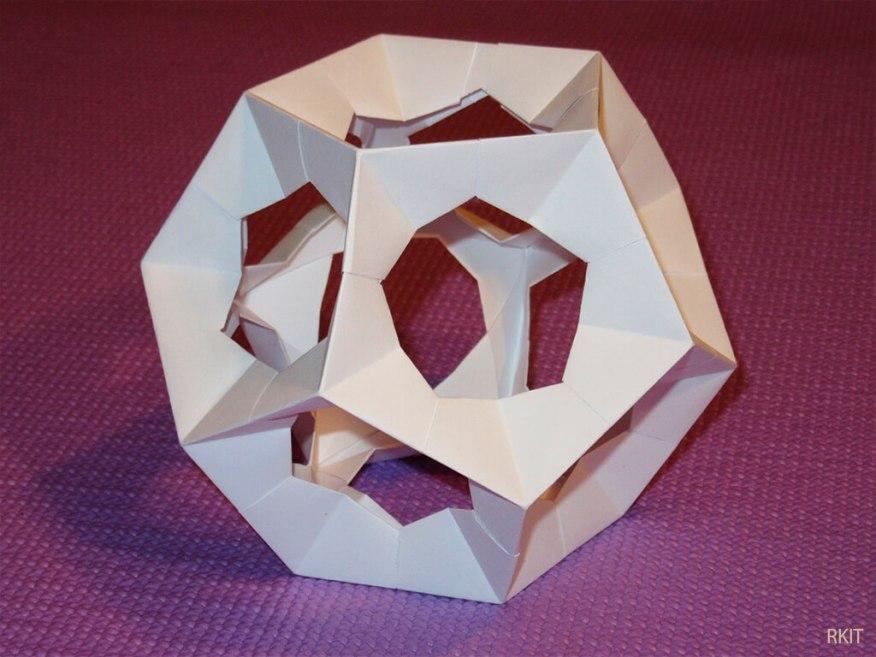 Arte para crianças entre 4 e 7 anos kirigami - modelo rkit dodecaedro